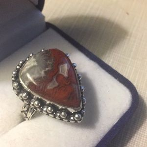 Jewelry - Gorgeous gemstone Mexican laguna Agate Ring